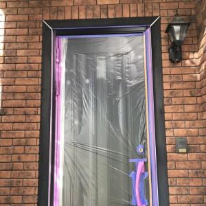 玄関枠塗装1
