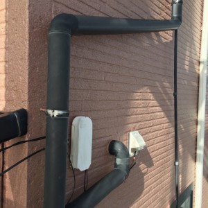 雨樋、配管塗装5