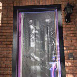 玄関枠塗装2