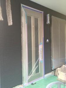 壁中塗り完了 釘頭 破風 横樋_1035