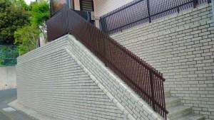 荒沢様邸、階段フェンス_1484