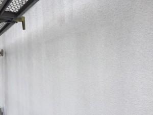 8月24日 外壁下塗り 防カビ剤_2059 (3)