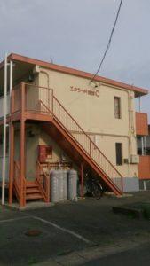 浜松市の外壁塗装リフォームの事例紹介|アパートの外観を明るく塗装!