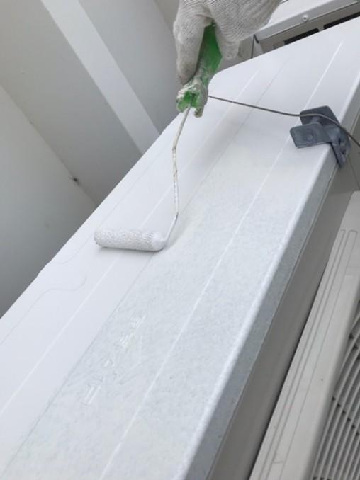 エアコン室外機の遮熱塗装